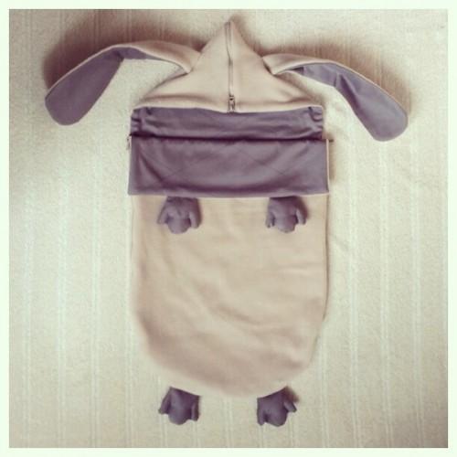Конверт для новорожденного на выписку и в коляску Зайчик серенький